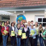 Strahlende Gesichter bei der Zertifikatsübergabe in Reichenbach im Landkreis Esslingen.